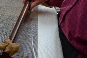 すくい織りと言う織り方です
