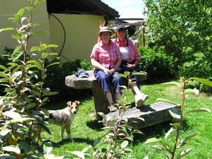 Christine und Cetti, immer für einen Scherz zu haben :-) und wie immer ist Denja voll mit dabei :-)