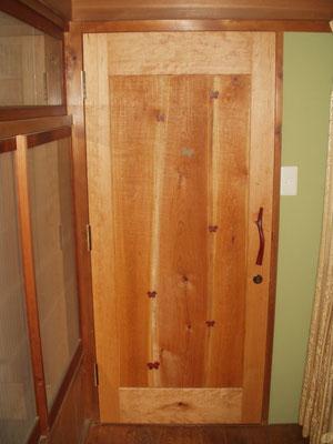 室内ドア 木製玄関ドア 店舗 施工例 オリジナル 個性的