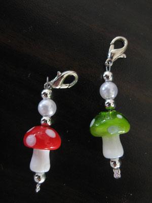 Fliegenpilz aus Glas in grün oder rot / groß 4,00 € klein 3,50 €