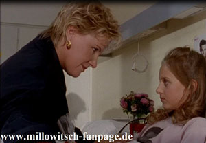 Marie besucht die Enkelin einer Freundin ihrer Mutter im Krankenhaus. Die wünscht sich ein Autogramm von Michael Crossing, dem Superstar, der das Hansson-Hotel bewohnt