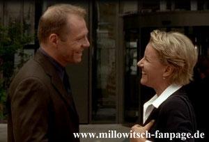 Marie trifft Hans Niebeck, einen Banker aus Stockholm, der mit helfen soll, den Hansson-Konzern zu verkaufen. Sie sind ehemalige Schulfreunde.
