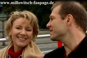 Auf einer Tour durch die Stadt flirtet Hans heftig mit Marie