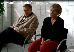 Marie und ihr Stiefvater bangen im Krankenhaus um das Leben von Maries Mutter. Marie machte ihr schlimme Vorwürfe wegen Martin...