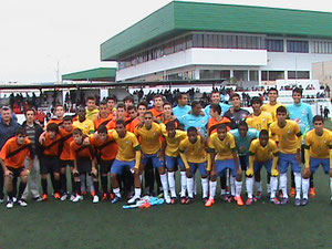 El 1r partido fue contra la Selección de Brasil y resultó una dura y sana pugna de Guerreros.