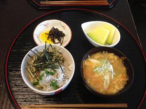 6/21 【朝トレ体験ライト版】シラス丼、かき玉汁、たくあん、メロン
