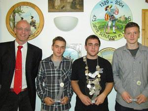 OSM Uwe Teuscher mit den Jugendregenten