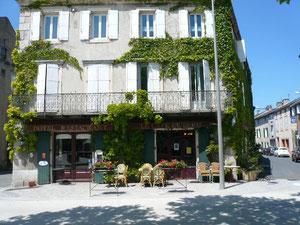 LE CAFE DE PARIS -auberge de campagne