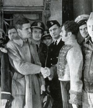 Американские летчики в театре г.Якутска