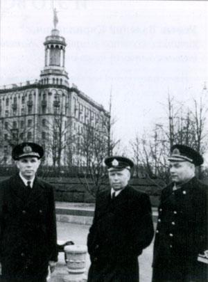 В центре снимка Марков А.И. Москва, 50-е годы