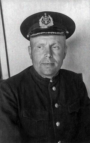 Капитан Марков Александр Игнатьевич. 1954 г. Якутск