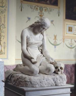 Antonio Canova. La magdalena penitente. 1808. La figura de rodillas con la cabeza baja y expresión afligida es un raro ejemplo de escultura religiosa de Canova.