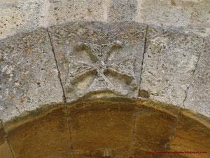 Cruz labrada visigoda. San Juan de Baños.