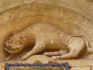 León en Gredilla de Sedano:tenía diversos sigmificados, el algunas circunstancias representaba a San Marcos o Cristo Resucitado, en otro símbolo del mal o pecado.
