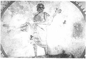 Cristo como filósofo, el filósofo es una imagen del mundo pagano, en la sociedad romana la filosofía equivalía a la sabiduría. La sabiduría es la verdad, aparece con la mano alzada dispuesto a orar y portando rollo o libro. Cat.Domitila