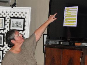Lyne Carrier présentant les réglements généraux