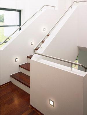 Katalog-Beispiel. Nett...wobei das mit unserer Standard-Buche-Treppe schon anders aussehen wird