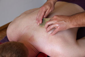 Gua sha Massage bei maximum care cosmetics, Zürich, Zürich Nord