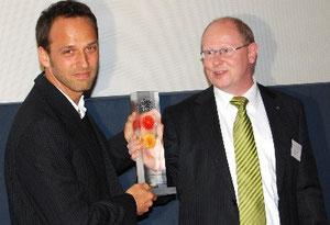"""Preisverleihung """"Deutschland-Land der Ideen"""" 2009 an Streetfootballworld"""