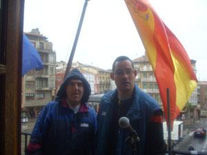 Izado de bandera en el ayuntamiento de Haro