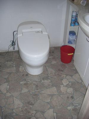 トイレ床クッションフロア張替え 施工完了後