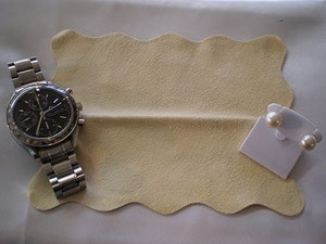時計や宝飾品に使えるセーム皮クロス