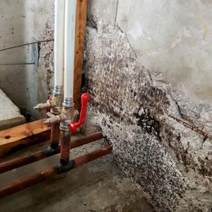 Abdichtung von feuchten Kellern,  Scellement des caves humides