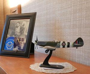 La maquette du Spitfire de Jean chez sa soeur Thérèse