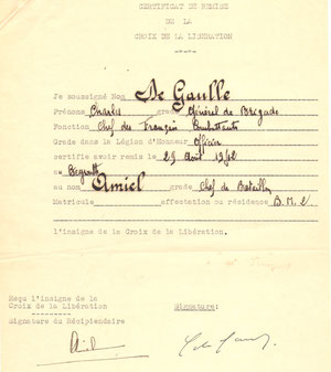 Décret du général de Gaulle attribuant la croix de la Libération à H. Amiel