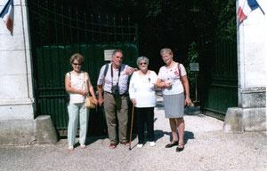 En visite à La Boisserie (la résidence du général De Gaulle) à Colombey-Les-Deux-Eglises avec Odette BIRABEN
