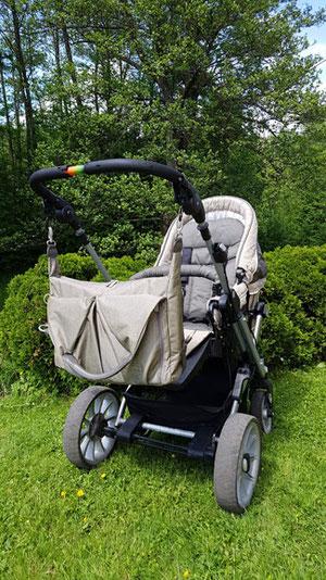 Lässig Wickeltasche am Kinderwagen mit Kinderwagenhaken