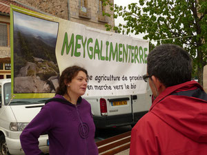 stand Meygalimenterre lors d'un marché