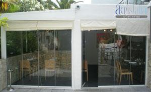 Cortina de vidrio en restaurante