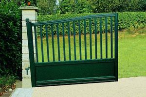 Puerta de alumino de jardín cin pendiente