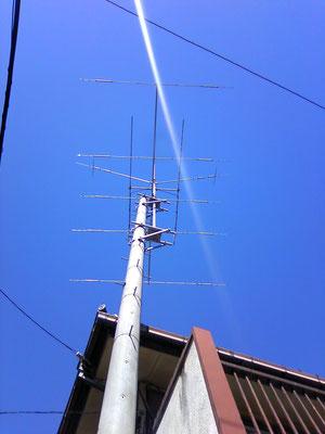 2011.01 常置場所のアンテナ(下から見上げる)