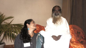 With SwamiJi Isa : 3rd Global Energy Parliament.  Photo Tran Quan Hai - Paris, 26 & 27 sept 2012 -