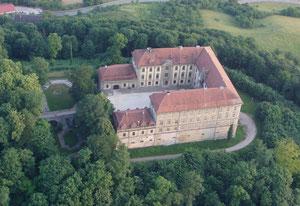 Vogelperspektive: Das Schillingsfürster Schloss