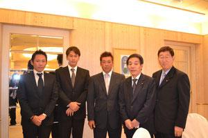 右より、 栗原先生 古賀先生 三栄建設社長 同社専務 高成産業 専務