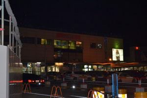 夜富山入りしました。富山駅です。