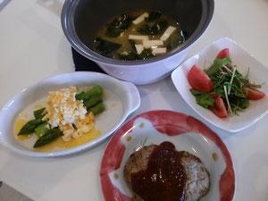 大阪兵庫で家事代行サービスの夕食作りでハンバーグ