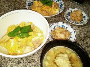 大阪兵庫で家事代行サービスで食事作りで昼食は親子丼と味噌汁