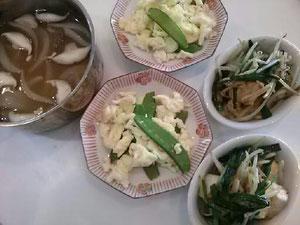 大阪兵庫で家事代行サービスの食事作りの朝食でほうれん草のだし巻