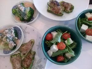大阪兵庫で家事代行サービスの食事作りの夕食でピーマンの肉詰め