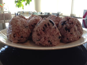 黒豆+黒米入り分搗き米ごはん