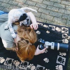 Hinter der Kamera von VISOVIO. Voller Einsatz für euch. ♡ #fotografieamlimit #spitzezähnchen #englishsetter #setterkalender #makingof