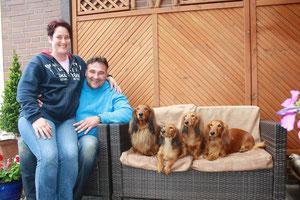 Familie Melisch mit allen Hunden