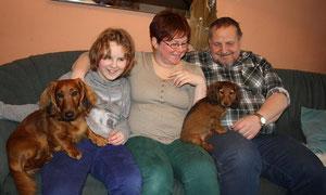 Die glückliche Familie v.l. Karo, Sanne, Jens und der kleine Felix.