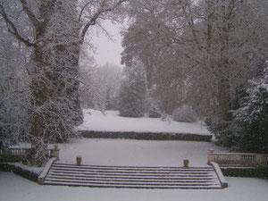 Parc en hiver des gites du chateau de Bourguignon-sous-Montbavin près de Laon dans l'Aisne