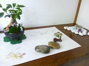 入り口では天本先生の盆栽がお出迎え!!