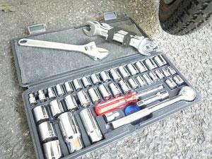 今日の修理アイテム。工具セット(ホームセンターで1500円くらい)